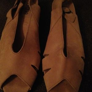 Arche Tan Leather Sandals Size 7.5 NWT